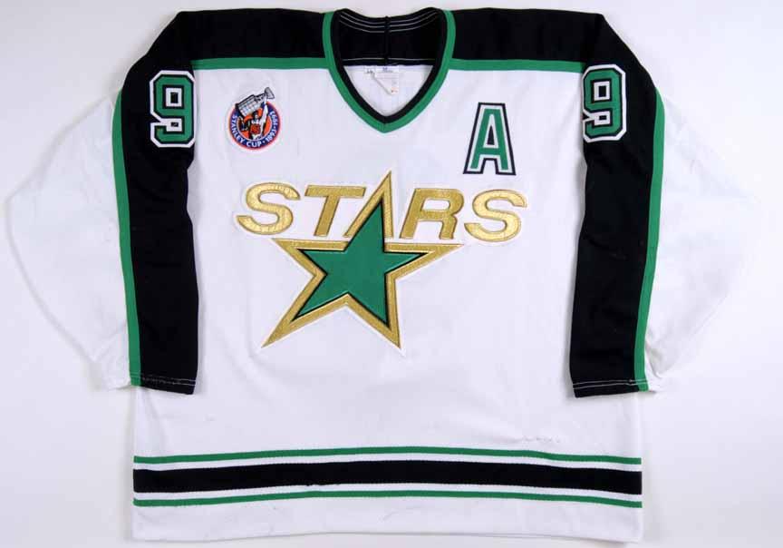 1992-93 Mike Modano Minnesota North Stars Game Worn Jersey ... f9e89fbe13f