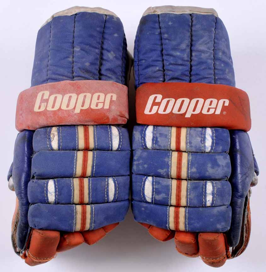 Mike Bossy New York Islanders Game Worn Gloves 1980 81 1st Team