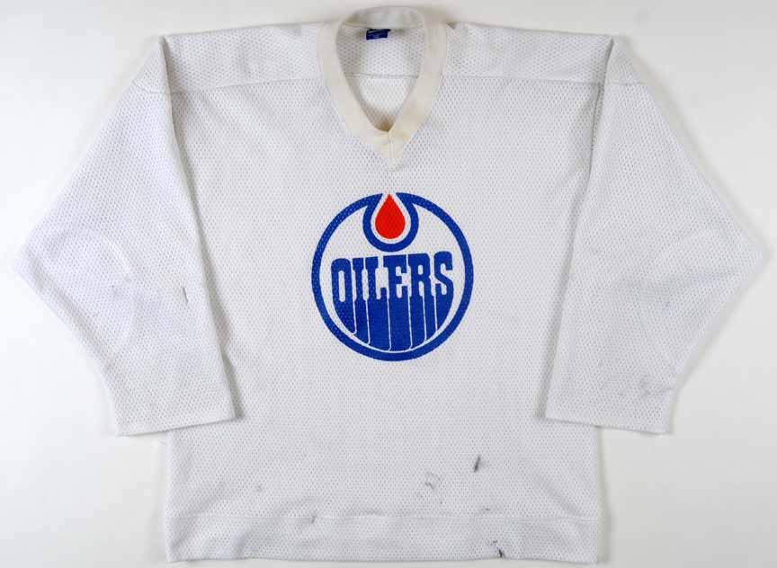 Mid 1980 s Jari Kurri Edmonton Oilers Practice Worn Jersey ... 75b926a2d6f