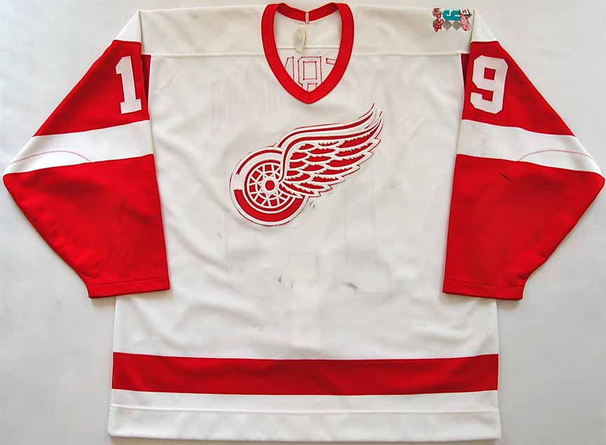 more photos 942ff 7594f 1985-86 Steve Yzerman Detroit Red Wings Game Worn Jersey ...