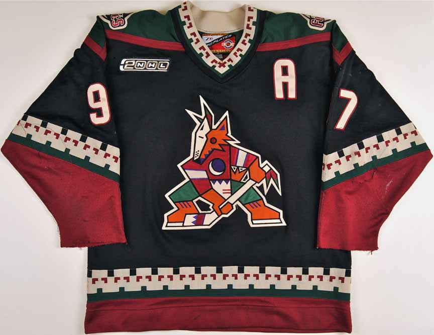 1999-00 Jeremy Roenick Phoenix Coyotes Game Worn Jersey - Team Letter 2740245f2