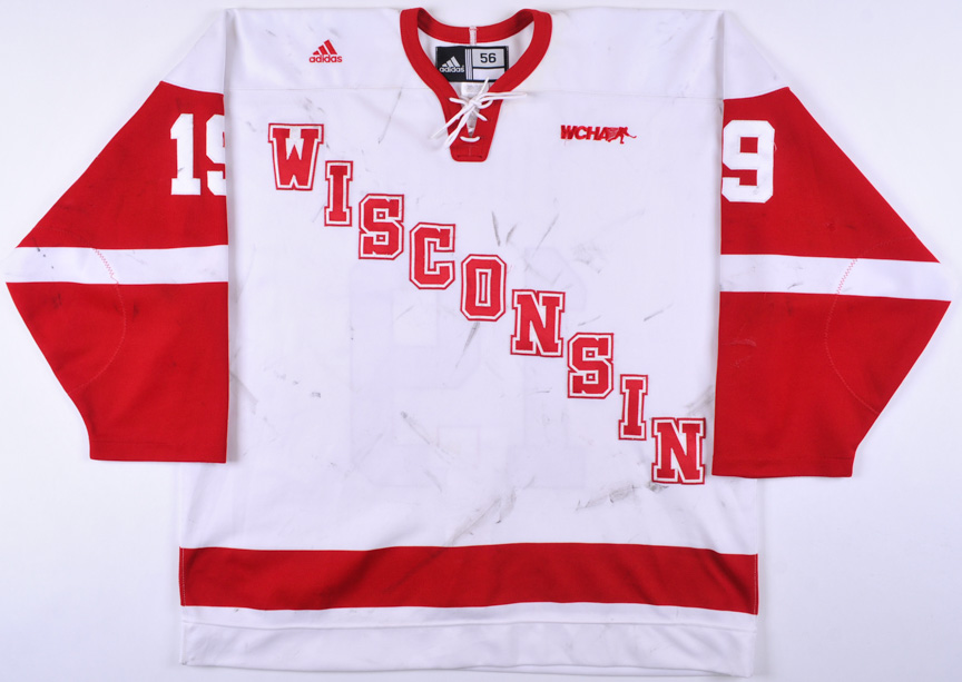 more photos cb7a5 e0329 2007-08 Kyle Turris University of Wisconsin Game Worn Jersey ...