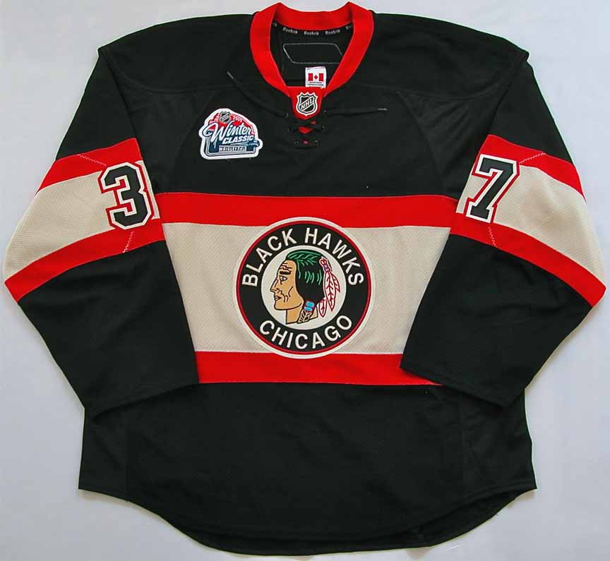A Critique in NHL Jerseys  Chicago Blackhawks Winter Classic 2009 96b52b6e6