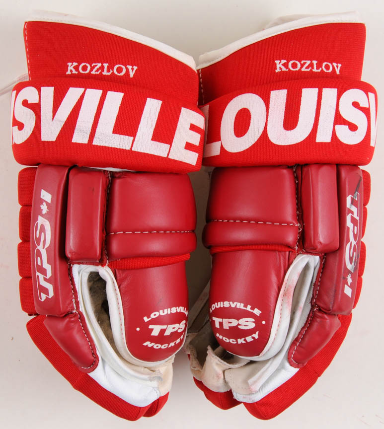 Slava Kozlov Detroit Red Wings Red Louisville Game Worn Gloves