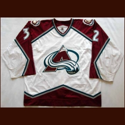 1998-99 Dale Hunter Avalanche Game Worn Jersey - Team Letter