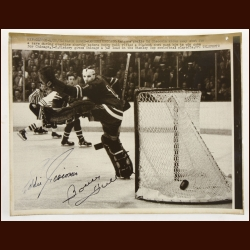 Ed Giacomin & Bobby Hull Autographed 8x10 Wire Photo