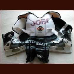 Adam Foote Avalanche Equipment group of 3 - Gloves, Skates and Shoulder Pads