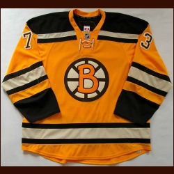 2009-10 Michael Ryder Boston Bruins Gold Classic Game Worn Jersey - Photo Match - Team Letter