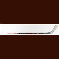 Patrick Kane Chicago Blackhawks Black Bauer Game Used Stick – Used in 2011-12 – Autographed – Team Letter