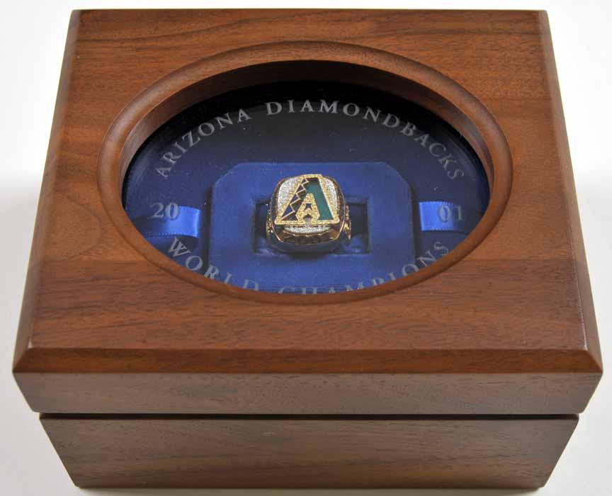 2001 arizona diamondbacks world champions ring and