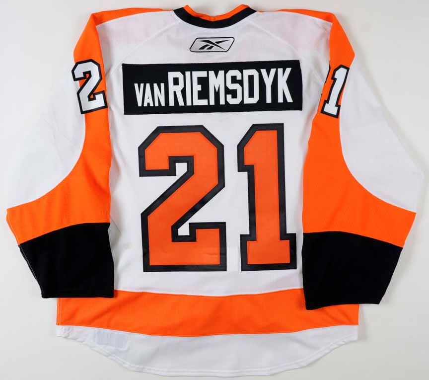 2009-10 James Van Riemsdyk Philadelphia Flyers Winter Classic Game ... 2219771a9
