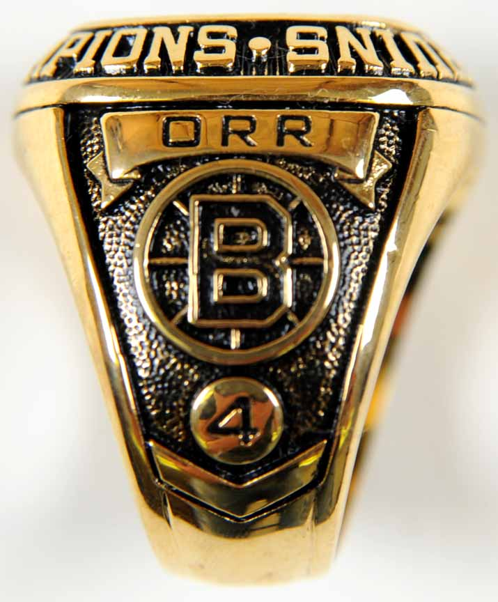 Bruins Replica Stanley Cup Ring