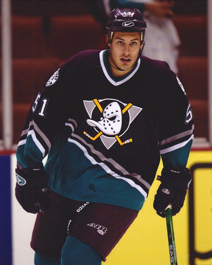 sports shoes 8db53 acefe 2005-06 Ryan Getzlaf Anaheim Mighty Ducks Game Worn Jersey ...