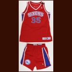 1994-1995 Clarence Weatherspoon Philadelphia 76ers Game Worn Jersey & Shorts - Memorial Armband
