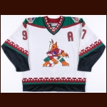 1996-97 Jeremy Roenick Phoenix Coyotes Game Worn Jersey - Inaugural Season – Team Letter