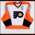 2013-14 Claude Giroux Philadelphia Flyers Game Worn Jersey - Photo Match – Team Letter