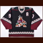 2000-01 Jeremy Roenick Phoenix Coyotes Game Worn Jersey – Team Letter