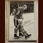 Bobby Hull Chicago Blackhawks 8x10 B&W Autographed Wire Photo