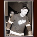 Terry Sawchuk Red Wings Autographed 8x10 B&W Photo - JSA Letter - Deceased