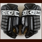 Rob Blake Colorado Avalanche Black CCM Game Worn Gloves – Autographed