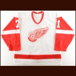 1999-01 Doug Brown Detroit Red Wings Exhibition Worn Jersey – Team Letter