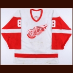 2002-03 Igor Larionov Detroit Red Wings Game Worn Jersey - Photo Match – Team Letter