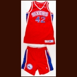 1994-95 Scott Williams Philadelphia 76ers Game Worn Jersey & Shorts