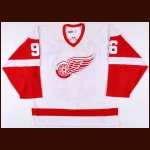 2002-03 Tomas Holmstrom Detroit Red Wings Game Worn Jersey – Team Letter