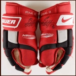 Eric Staal Carolina Hurricanes Red Nike/Bauer Game Worn Gloves – Autographed