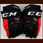 Brent Seabrook Chicago Blackhawks Black CCM Game Worn Gloves – Autographed – Team Letter