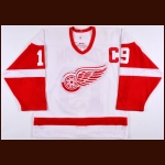 2005-06 Steve Yzerman Detroit Red Wings Game Worn Jersey - Photo Match - Team Letter