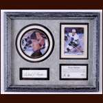 Wayne Gretzky/Gordie Howe Ceramic Plate and Card Display