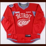 "2013-14 Henrik Zetterberg Detroit Red Wings Winter Classic Practice Worn Jersey – ""2014 Winter Classic"" - Copy of a Team Letter"