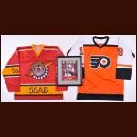 Mikael Renberg Autogaphed Group of 3 – Flyers & Swedish Jerseys and Framed Magazine