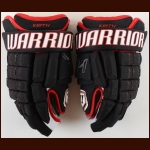 Duncan Keith Chicago Blackhawks Black Warrior Game Used Gloves – Worn in 2017-18 – Autographed – Team Letter