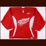 2005-06 Steve Yzerman Detroit Red Wings Practice Worn Jersey - Last Season  - Team Letter